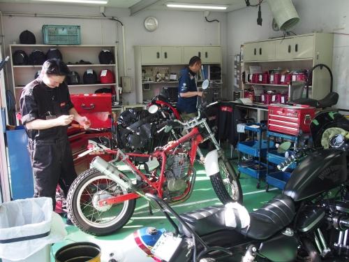 カスタムや旧車の整備も対応。全店「認証工場」取得