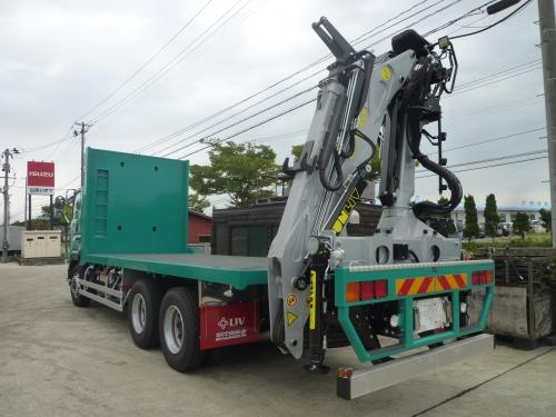 林業用クレーン付きトラックの電装品組付・整備