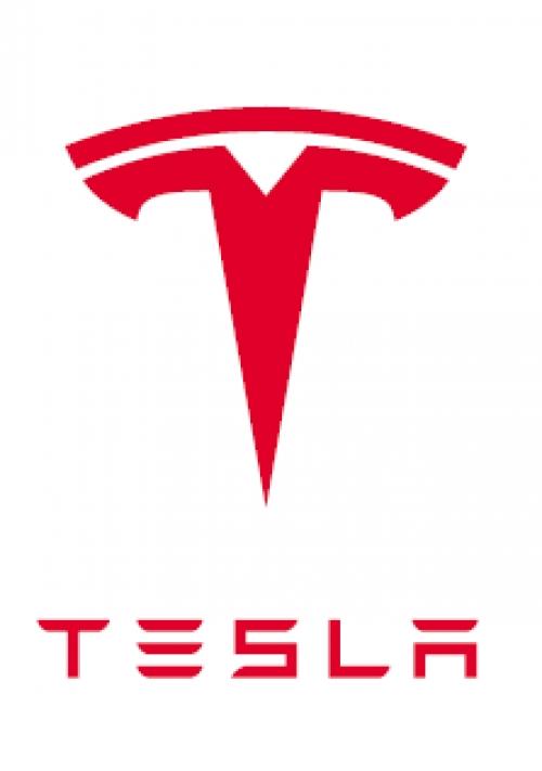 今なら応募から即面接へご招待!Teslaで出張自動車整備!日・月・祝日休み!年収420万円以上!