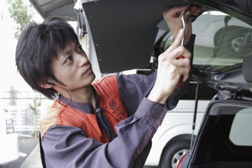《ピットスタッフ×神奈川県相模原市》 車好き大歓迎♪やりがいと自己成長が感じられる職場です!!