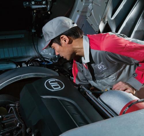 トラックの高度な整備技術を学び、日本の物流に貢献しませんか!