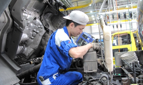 いすゞ(神奈川県)|賞与5.3ヶ月◆年間休日111日◆大型整備は稼げて休める!