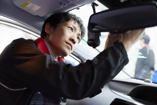 99%が未経験入社!自動車ガラスのサービススタッフ