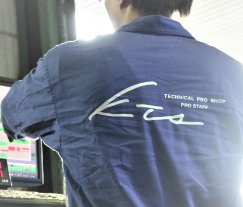 【正社員 東京都(大田区)】カスタムショップの整備士募集 無資格OK、資格取得制度あり、残業少!