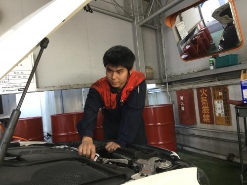 《ピットスタッフ×横浜市神奈川区》 車好き大歓迎♪やりがいと自己成長が感じられる職場です!!