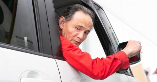 車検1日平均7台