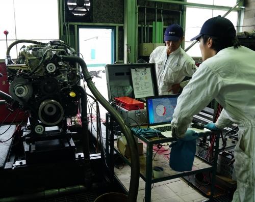最新の試験設備でエンジン試験を行っています