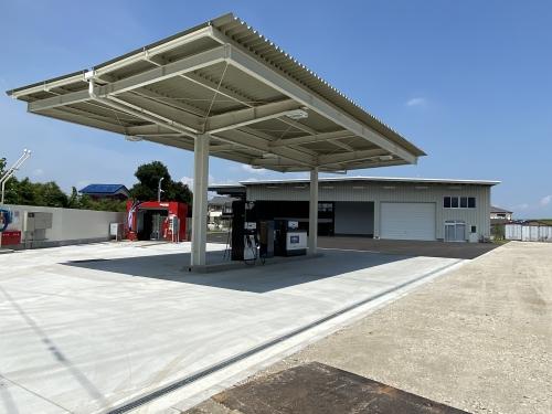 新整備工場の給油スタンド
