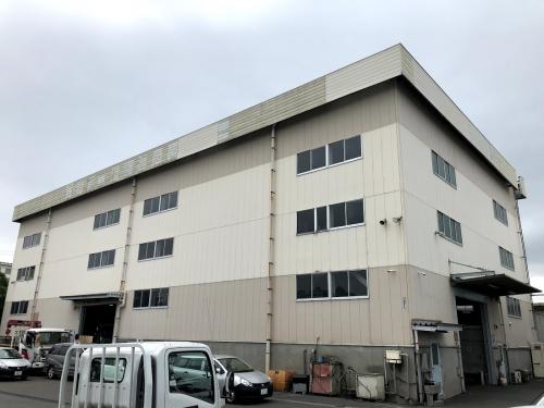 整備工場外観